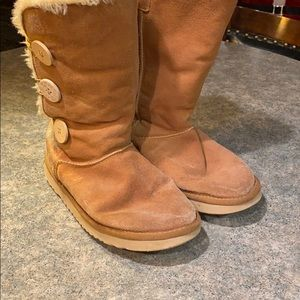 Ugg 3 button boots size 10